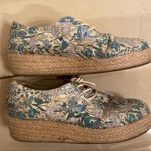 Cooperative blue floral print platform sneakers